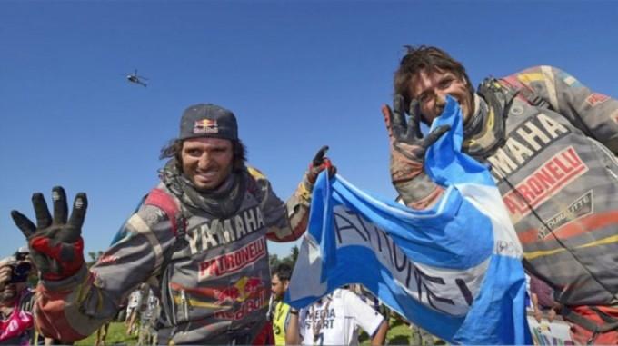 Marcos y Alejandro Patronelli en lo más alto del podio en Quads