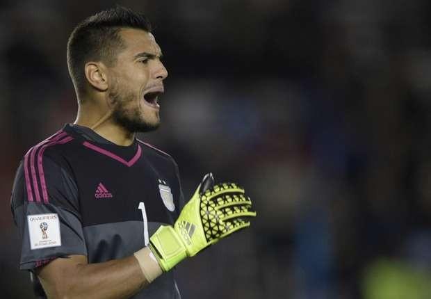 Chiquito Romero agradeció la oferta de Boca, pero seguirá en el United