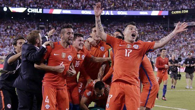 ¿Chile quiere a otro argentino como DT de su selección?