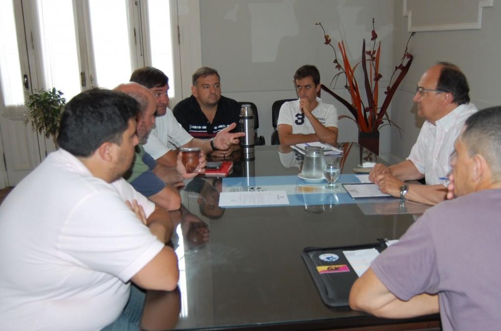 Autoridades de Club Huracán se reunieron con el Intendente