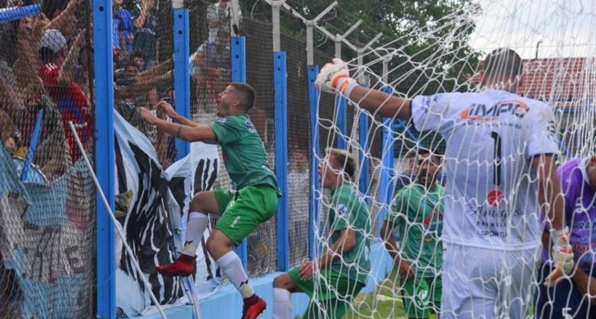 Ferro debutó en el Regional con una victoria