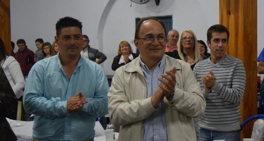 Club Defensores de Del Carril festejó el campeonato de fútbol