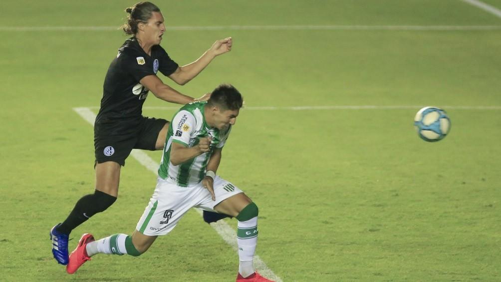 Banfield clasificó para la final de la Copa al vencer a San Lorenzo en el sur