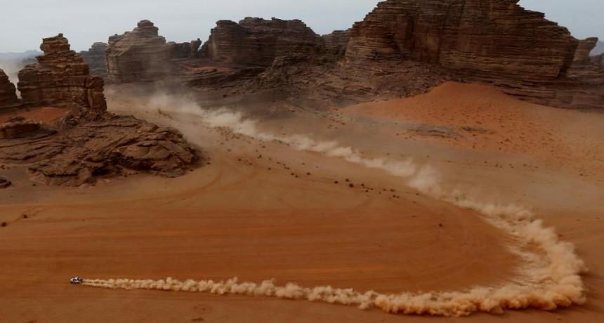 Al Rajhi ganó la etapa 10 del Dakar 2021 y Peterhansel sigue como líder