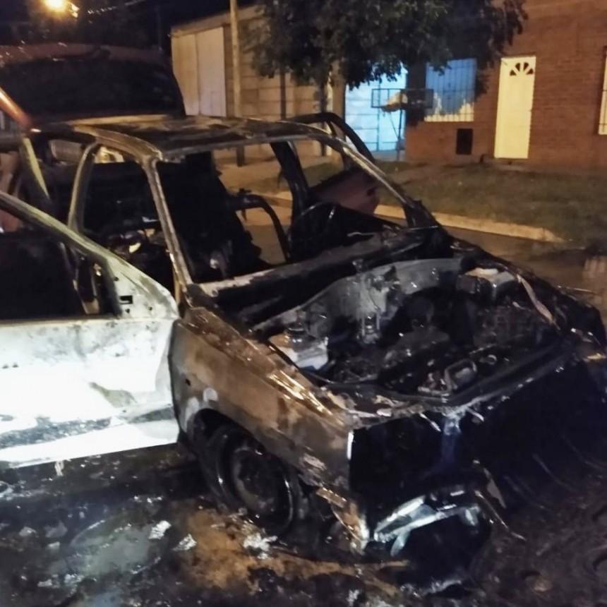 SALADILLO: Incendio de un automóvil