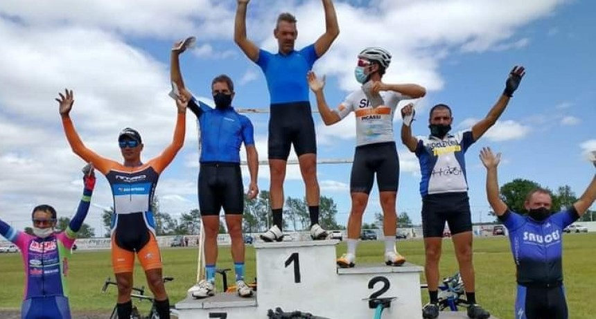 Hubo ciclismo en Azul con presencia de saladillenses
