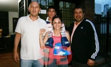 La saladillense Tamara Demarco peleo en 25 de Mayo