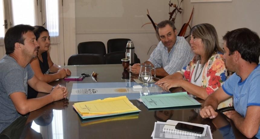 Rodríguez recibió a directivos del Club La Lola