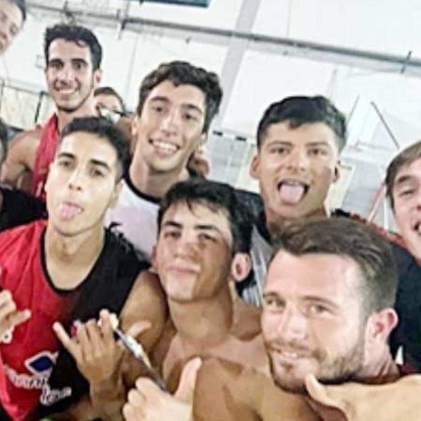 Colón, con los saladillenses Del Valle y Debiasi, jugará el domingo por el Provincial