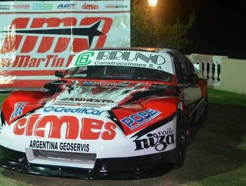 Juan Martin Bruno presento el auto en Saladillo