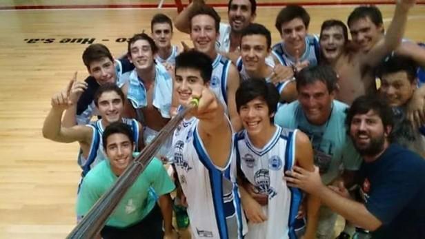Jugadores saladillenses concentrados con la Selección sub17 de Chivilcoy