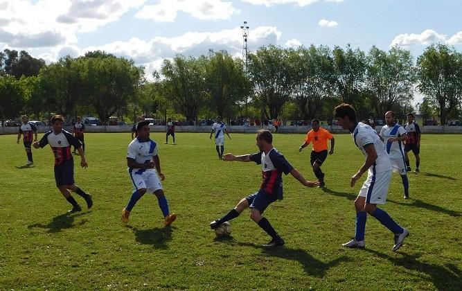"""El fútbol mayor pone """"Primera"""" hoy con la Copa """"Oscar Tenaglia"""""""