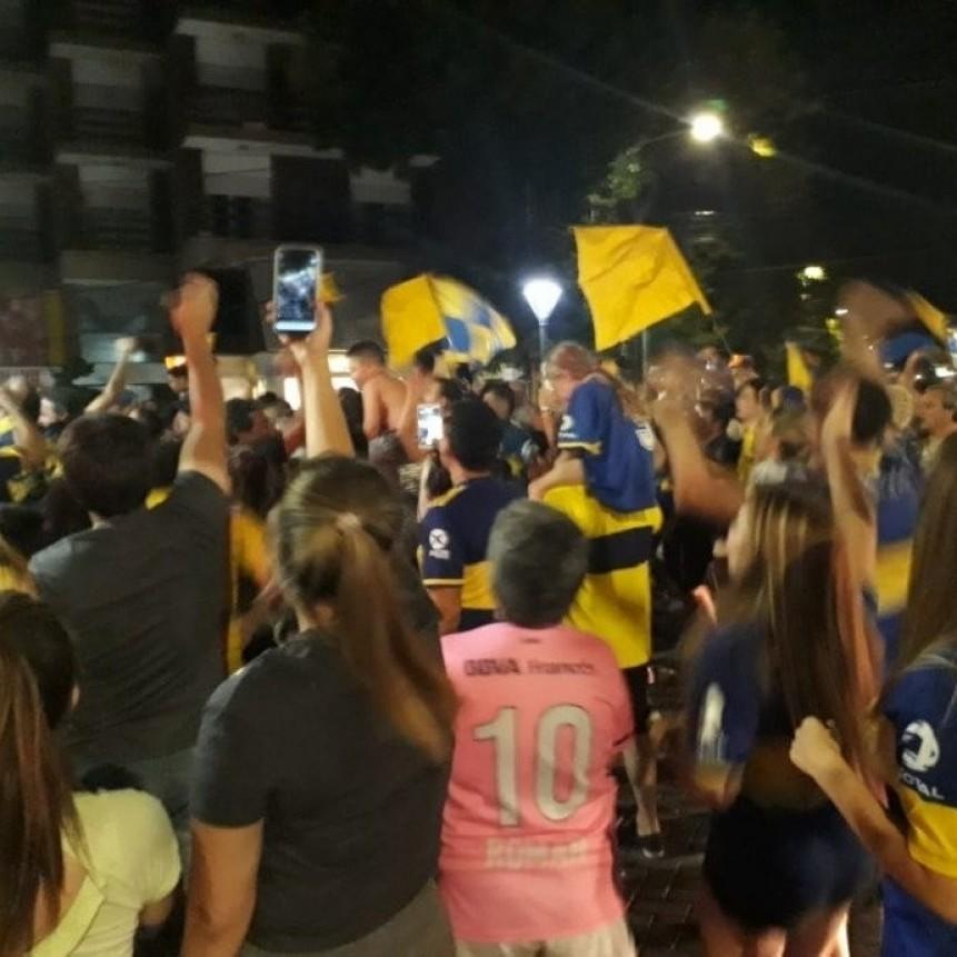 Festejos en Saladillo: Boca le arrebato el titulo a River