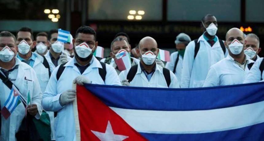Médicos cubanos llegaron a Italia para ayudar con el Covid-19
