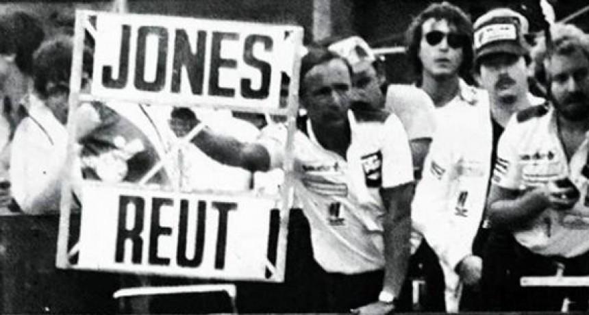 """A 39 años del GP de Brasil, donde mostraron a Reutemann el célebre cartel """"Jones-Reut"""""""
