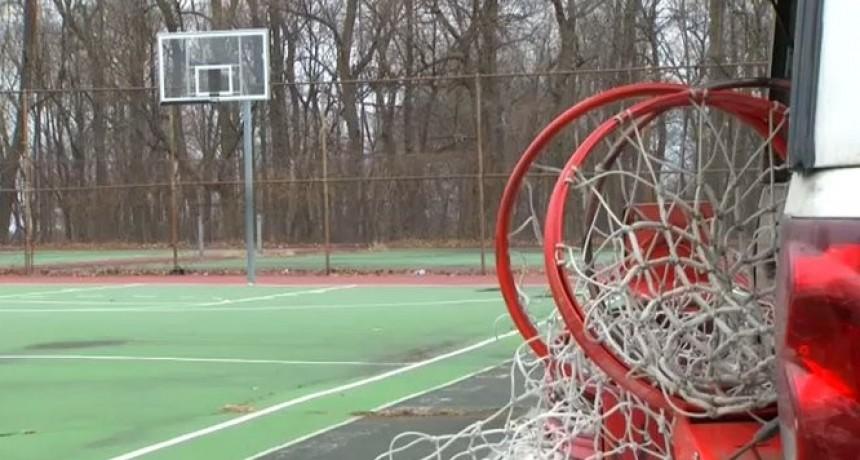 Más de 1700 canchas de básquet fueron desarmadas de los parques infantiles de Nueva York