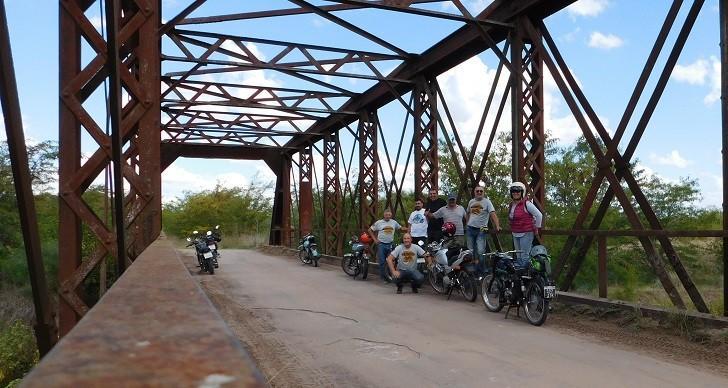 Realizaron Raid Turístico con Motos Clásicas y Antiguas en Saladillo