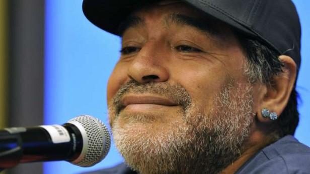 Diego Maradona fue la estrella en el Partido por la Paz
