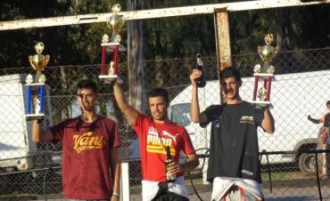 Darío Martínez encabeza el campeonato en la máster 80 de Apak