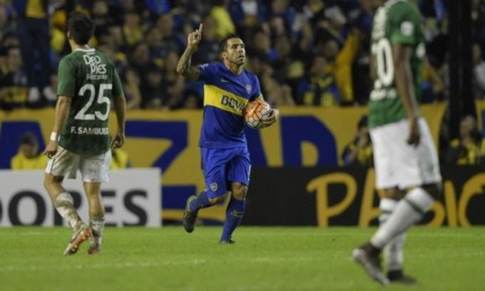 Boca goleó al Deportivo Cali y terminó primero en el grupo 3