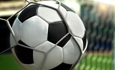 Ganan y golean: Argentino y Huracán únicos punteros en primera division