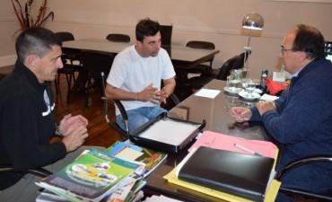 El Intendente recibió al piloto saladillense Juan Martín Bruno