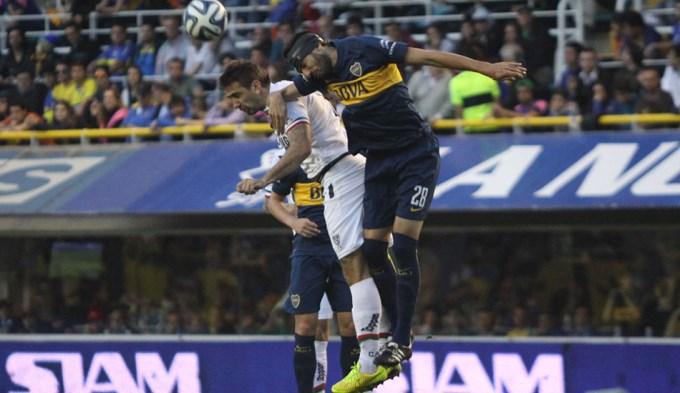 Boca, presionado por sus perseguidores, quiere mantener la ventaja ante Vélez
