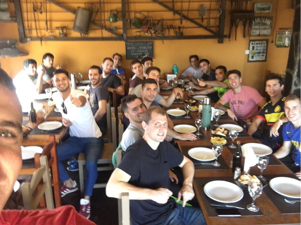 La delegación de Huracán viajó rumbo a Miramar