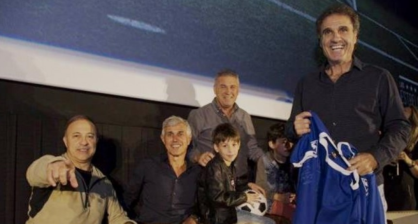 El Vasco junto a cuatro campeones del 86 estarán en  Olavarría