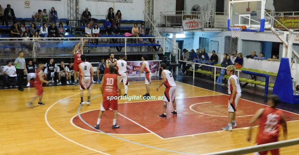 Triunfos locales en el inicio del Torneo de Primera División de básquet