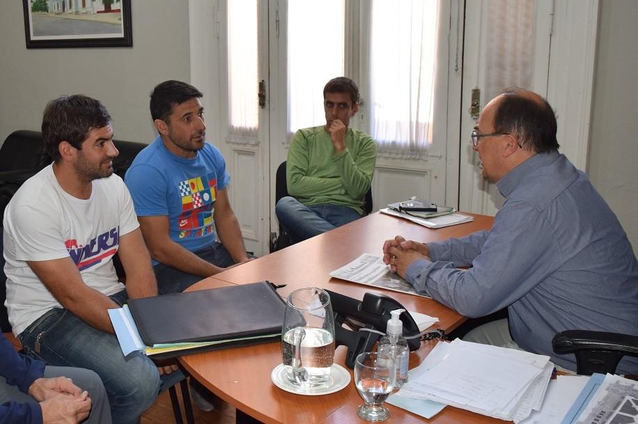 Salomón se reunió con representantes de la Agrupación de Motocross Saladillo