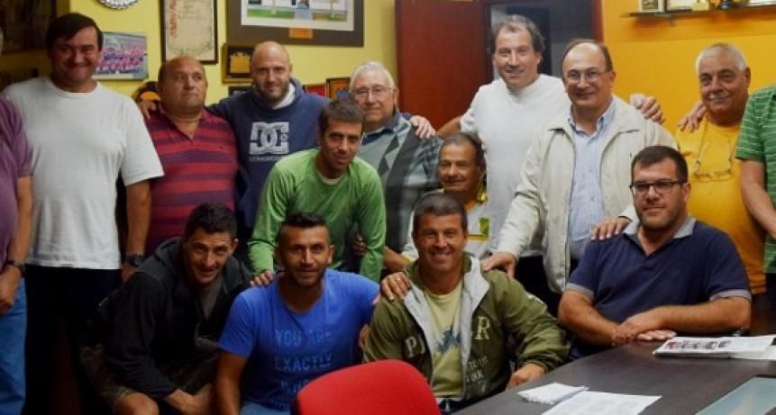Salomón se reunió con autoridades del fútbol local