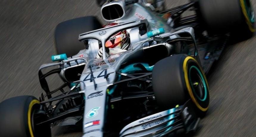 El inglés Hamilton ganó el Gran Premio de China y es el líder