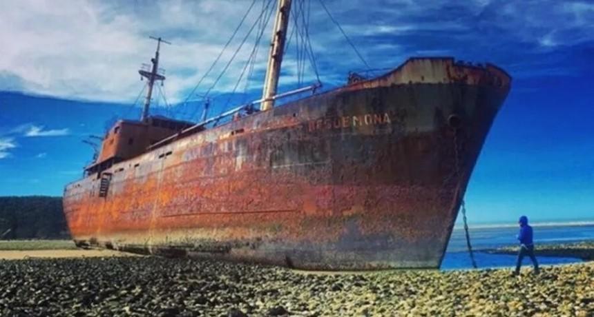 Aprovechó la cuarentena y se robó dos anclas de un barco declarado
