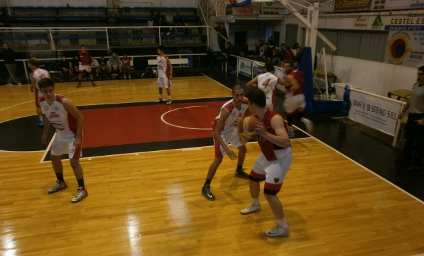 club Ciudad de Saladillo perdió ante Derqui 63 a 57