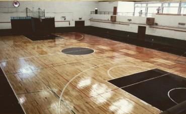 Club Comercio de Alvear con piso de parquet