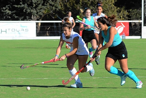 Saladillo Hockey recibe a Remo de Azul en todas las categorias