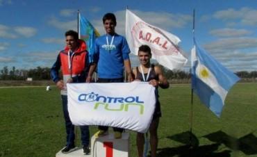 Ezequiel Aguilera corrió los 3000 y 10000 metros en Lobos
