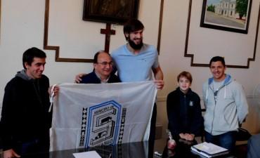 Jose Luis Salomon recibio a Marcos Delía