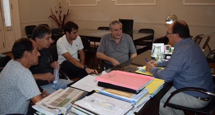 Directivos de Atucha explicaron proyectos institucionales al Intendente de Saladillo