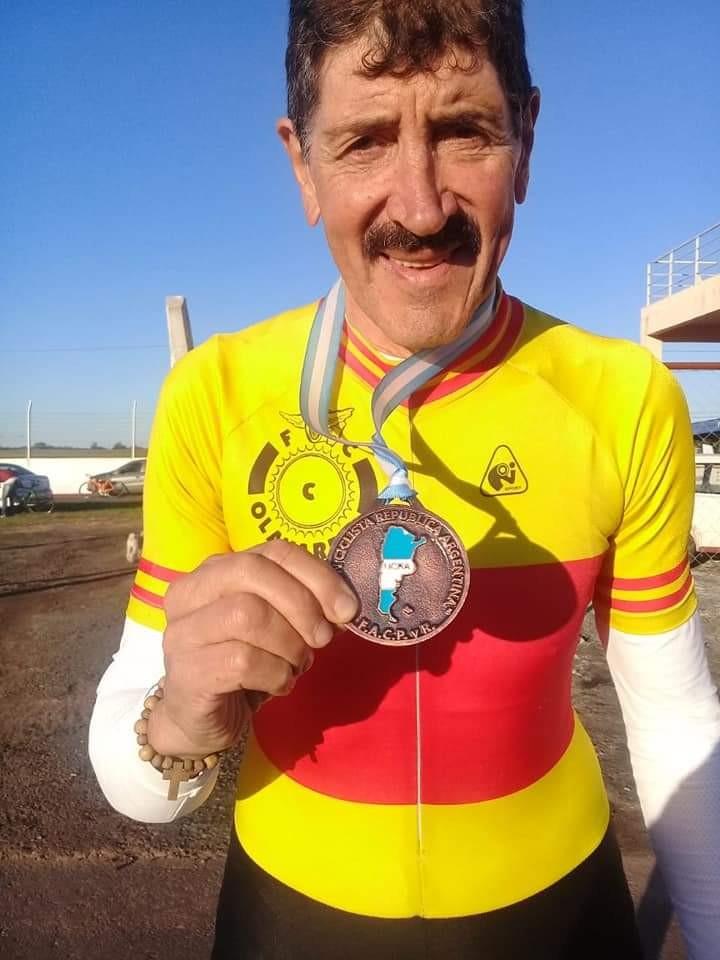 Poger, Burgois y Lubo medallistas en el Argentino de Ruta