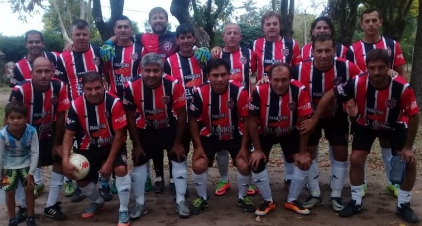 El Deportivo Cazón puntea en el Torneo de Veteranos
