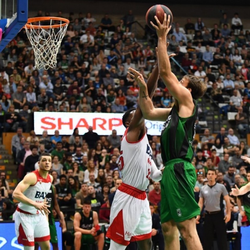 Vital victoria del equipo de Marcos Delía y Laprovittola contra el Manresa