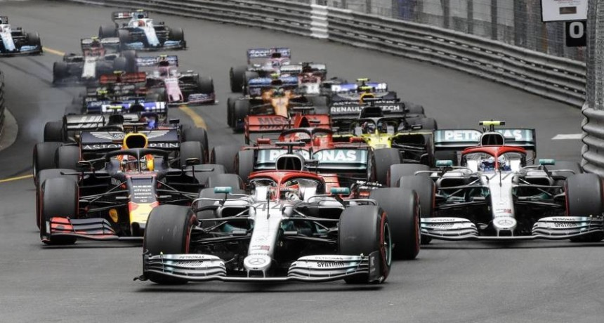 Hamilton se impuso en Mónaco y estira su ventaja en la punta