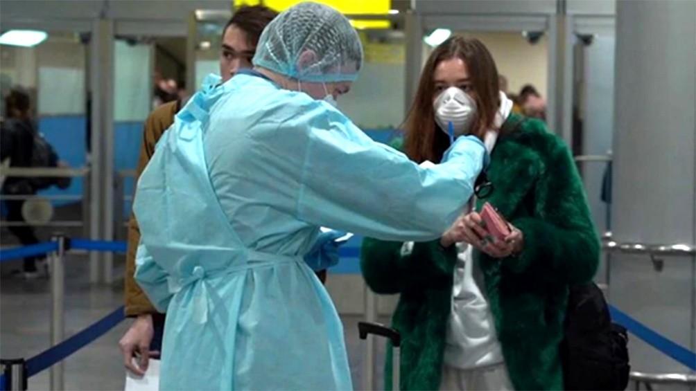 Fuerte avance del coronavirus en Brasil y Rusia, y alarma en el mercado aerocomercial