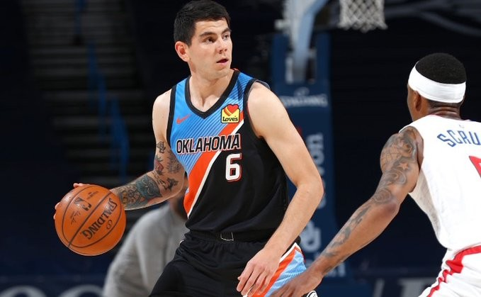 Deck cerró la temporada con una victoria ante Clippers