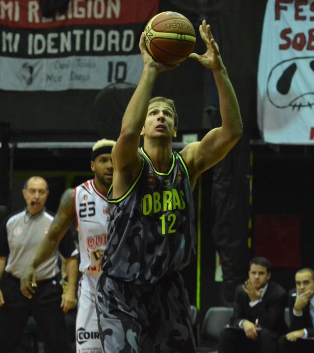 Obras arranco ganando y puso la serie 1-0 ante Quilmes