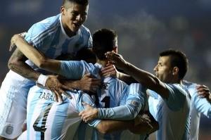 Argentina goleo a Paraguay y es finalista de la Copa America