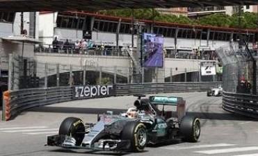 Nico Rosberg empieza mandando en Austria