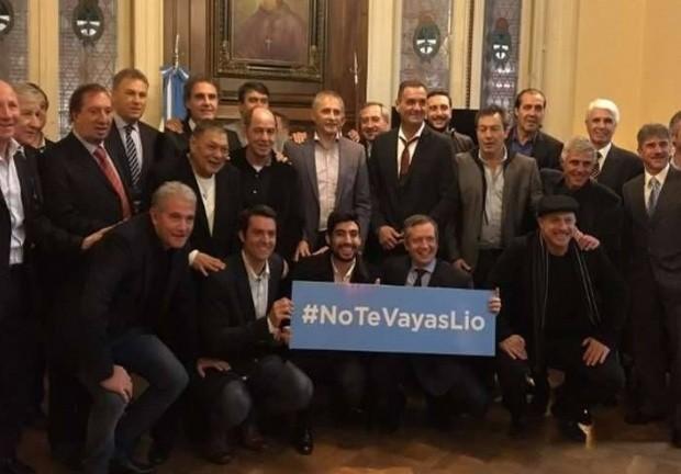 Los campeones del 86 pidieron que Messi se quede